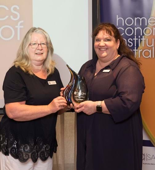 Narelle Bennett presenting the HEIA(SA Award of Excellence to Jodi Monro who accepted the award on behalf of Amanda Johnson